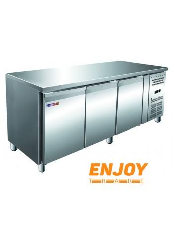 Стол морозильный Cooleq GN 3100 BT